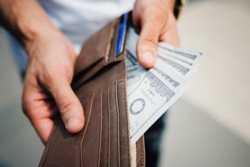 Client Done4U Article: Why Is It So Hard to Save Money?